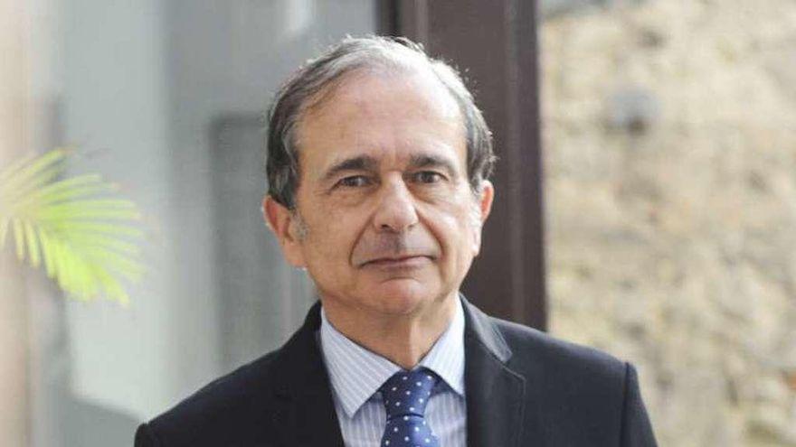 """Antonio Abril Abadín: """"Cuando venzamos la pandemia debemos prestar más atención a la ciencia y la investigación"""""""